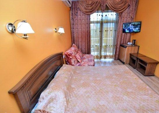 Отель Прометей (Дивноморское), категория полулюкс 3-местный