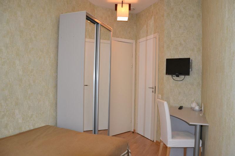 Отель Новые комнаты на  Невском 105, категория эконом двухместный с 1 кроватью