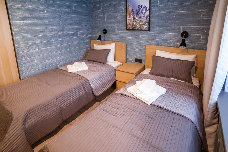 Отель Локал Отель, категория комфорт с двумя односпальными кроватями