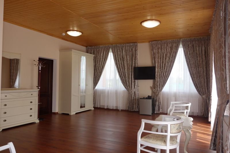 Отель Александровская Слобода, категория делюкс с балконом