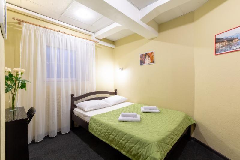 Отель Мини-отель Авиамоторная, категория 2-местный стандарт Цокольный этаж