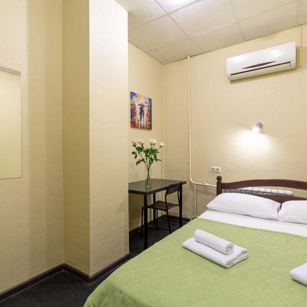 Отель Мини-отель Авиамоторная, категория 2-местный эконом номер без окна