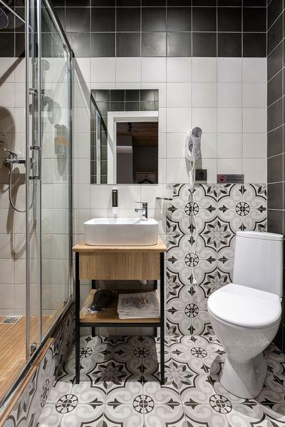 Отель Демут отель, категория 2-местный с 1 кроватью и собственной ванной комнатой