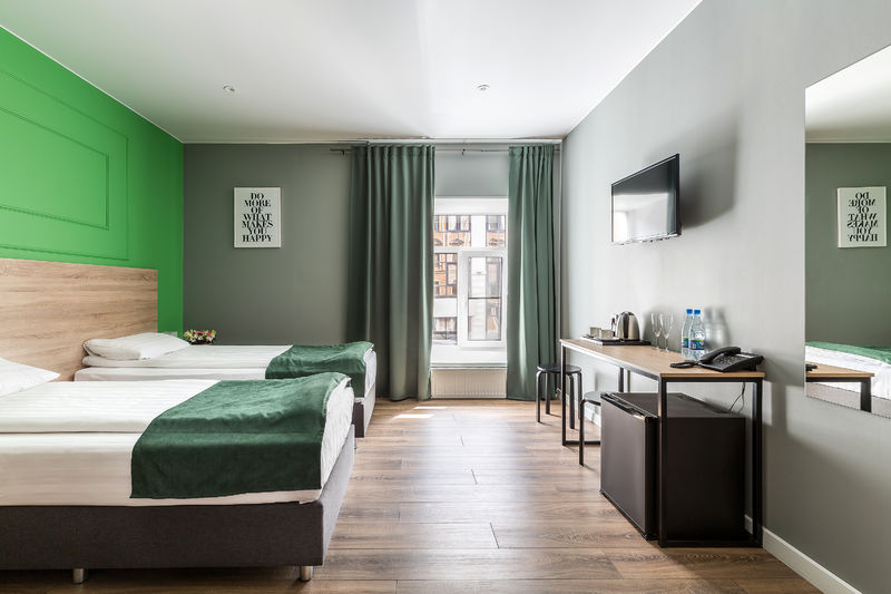 Отель Демут отель, категория 2-местный с 2 отдельными кроватями и ванной комнатой.