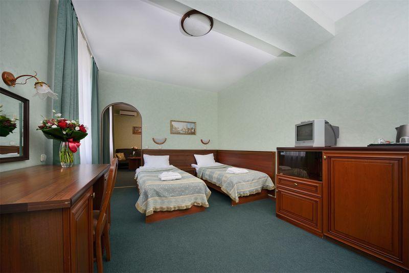 Отель Ярославская, категория семейный 2 комнатный