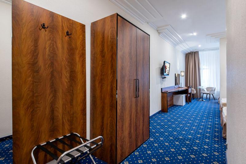 Отель Роял, категория 3-местный стандарт