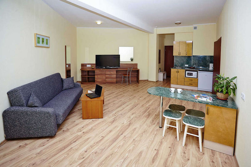Отель Старгород, категория люкс 2-комнатный DBL